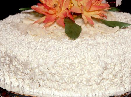 Glacê para Cobertura de Bolos - Veja como fazer em: http://cybercook.com.br/receita-de-glace-para-cobertura-de-bolos-r-12-7729.html?pinterest-rec