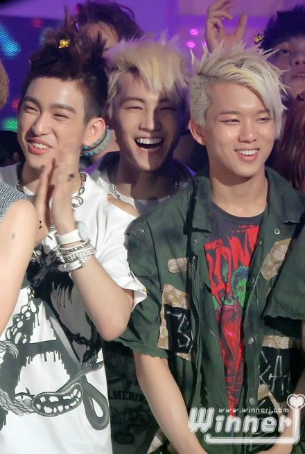 [FACT]: Youngjae has a very close relationship with JJ Project <3.<3