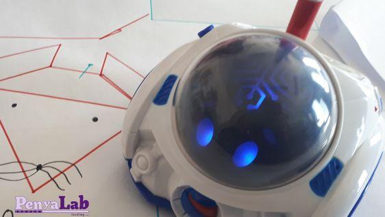 Dibuixem figures de Tangram amb el robot Mind
