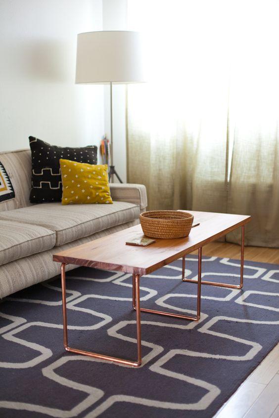 diy couchtisch mit beinen aus kupferrohr wohnen. Black Bedroom Furniture Sets. Home Design Ideas