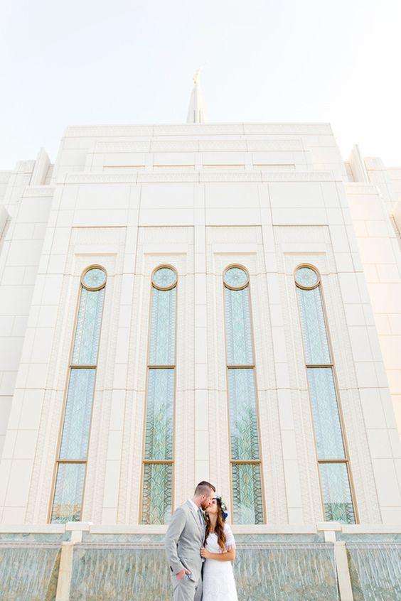 Arizona wedding.  LDS wedding.  Bridals. Gilbert temple.  http://www.annierandall.com/ Annie Randall Photography {Arizona and destintation}