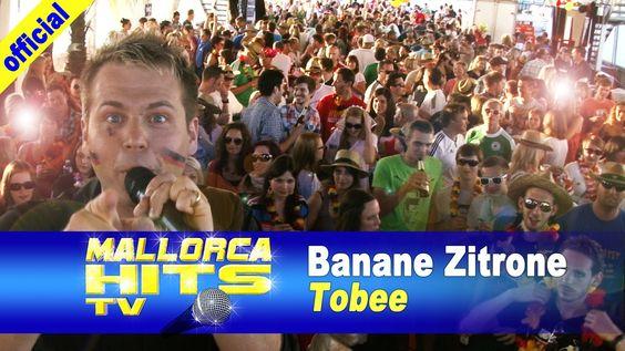 """Tobee mit """"Banane Zitrone"""". Diesmal vom """"El Mallorca Boot Party"""" in Friedrichshafen auf der MF Euregia. Tobee war an diesem Abend der einzige Live-Künstler - der Rest der Party wurde von Lorenz Büffel aus dem Megapark Mallorca bis zum Anschlag animiert. http://mallorcahitstv.de/2014/06/tobee-banane-zitrone-el-mallorca-boot/"""