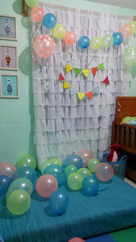 Sorpresa de cumplea os en la habitaci n detalles pinterest for Como decorar tu cuarto de hombre