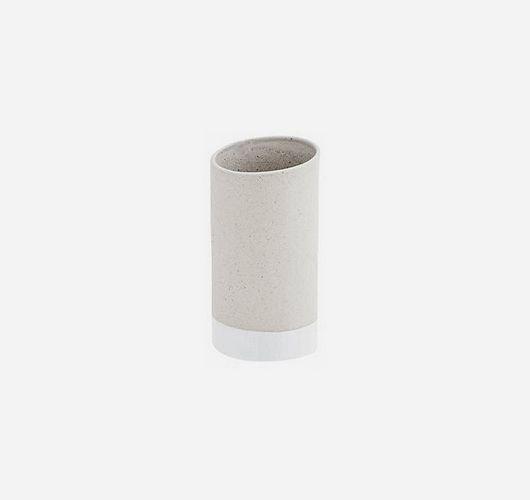 Schöner Wohnen: Vase. Hier entdecken und shoppen: http://sturbock.me/v2c