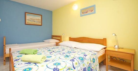 http://www.roomsunce.com/accommodation.php