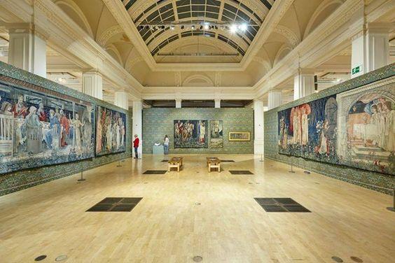 """Уильям Моррис и Энди Уорхол: """"странная парочка"""" на выставке в Бирмингеме - с культовыми шедеврами:"""