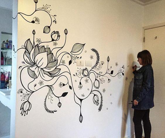 """""""Desenho e pintura incrível na nossa casa da nossa querida amiga Mari Pavanelli. Valeu Mari! Adoramos o desenho no nosso quarto."""""""