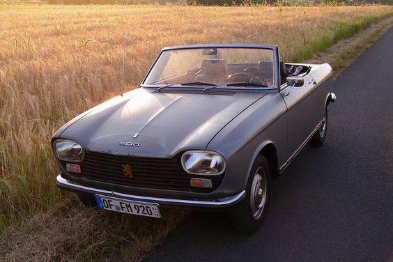 Peugeot 204 Cabriolet.