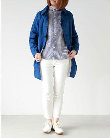 白パンツと合わせれば、  さらに爽やか。  ブルーのアウターも今春注目のカラーです。