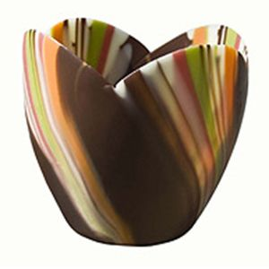 Divine Specialties offers beautiful chocolate cups, to be filled with your own signature fillings, in a wide assortment of shapes, #chocolate #wholesalefoods #divinespecialties