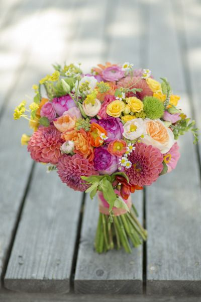 THIS IS a summer bouquet! Full of energy and enthusiasm!!! I love it! Get one like this for me.