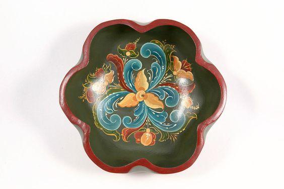 Norwegian Rosemaling Painted Decorative Wood Folk Art Bowl Scandinavian Décor