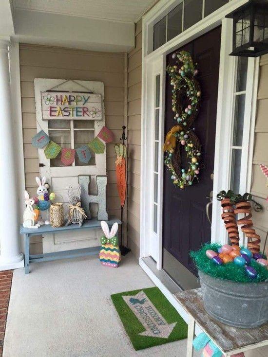 Osterdeko Fur Draussen Wie Sie Ihren Outdoor Bereich Osterlich Dekorieren Dekoration Diy Easter Porch Decor Easter Front Porch Decor Easter Decorations Outdoor
