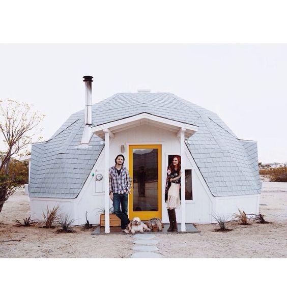 Small, Circular House Via