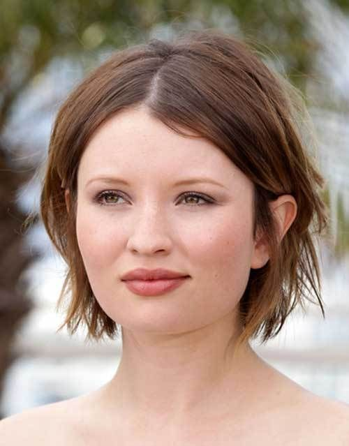 18++ A short haircut for round faces trends