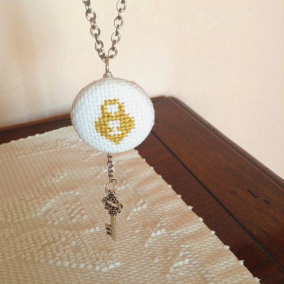 Collana con chiave e lucchetto del cuore  di Il gomitolo di Birba su DaWanda.com