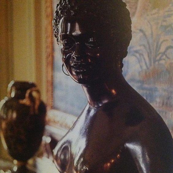 """#kunsthandelartist#my favorite#buste#colletion#museum NissimDeCamondo"""