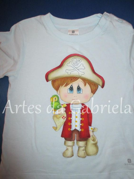 T-shirt pirata com papagaio