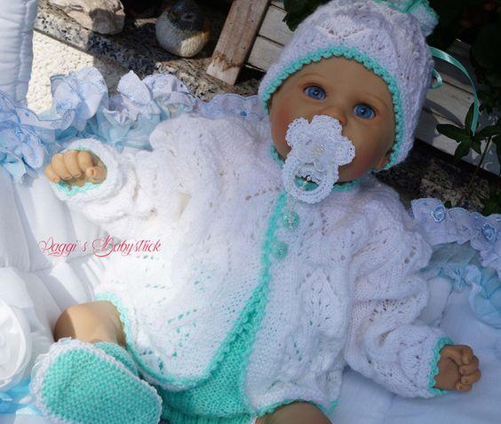 *Produkttitel: Strickanleitung Lisa Gr.50/56 - Shopname: raggis-strickwelt Wunderschönes Set, 4-teilig für Babys & Reborns meine Arbeit Gr. 50/56 Das Set ist aus Babysoftwolle gestrickt. Die...