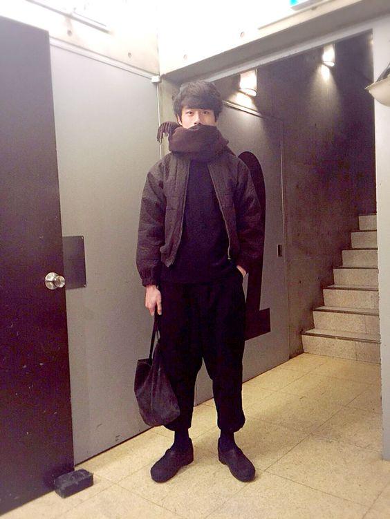 ハイセンスなブラウンコーデの坂口健太郎のファッション