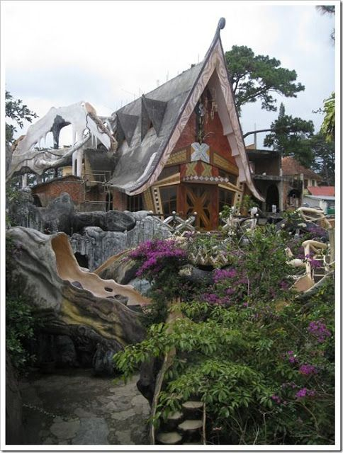 craziest architecture: Crazy House, Spooky Tree House Hotel in Vietnam