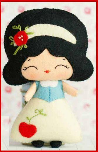 Boneca Branca de Neve série Princesas: