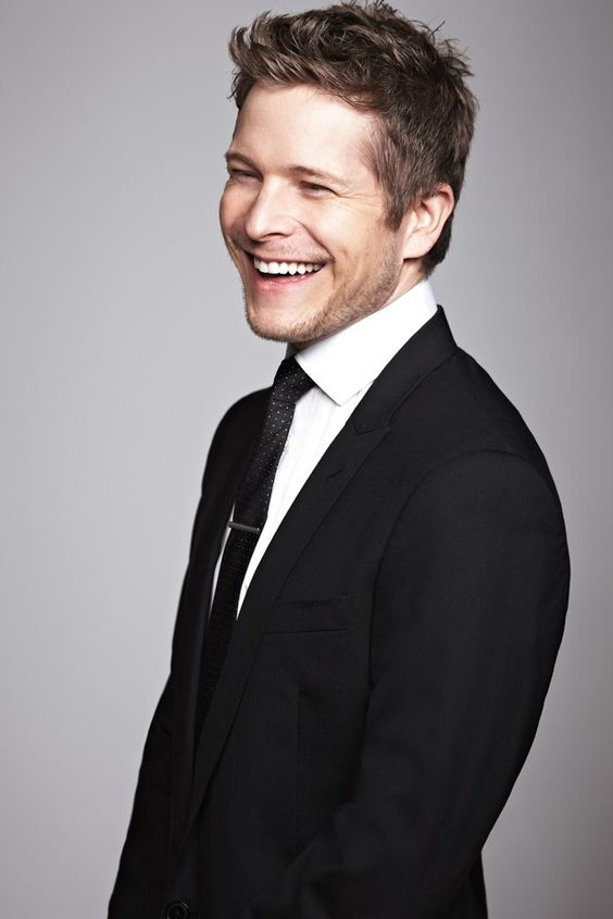 Matt Czuchry...reminds me a lot of Michael J. Fox