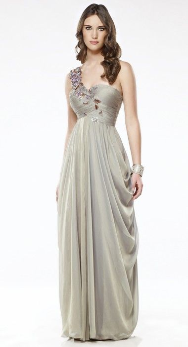Luv Bridal - E1122 (http://www.luvbridal.com/products/E1122.html)