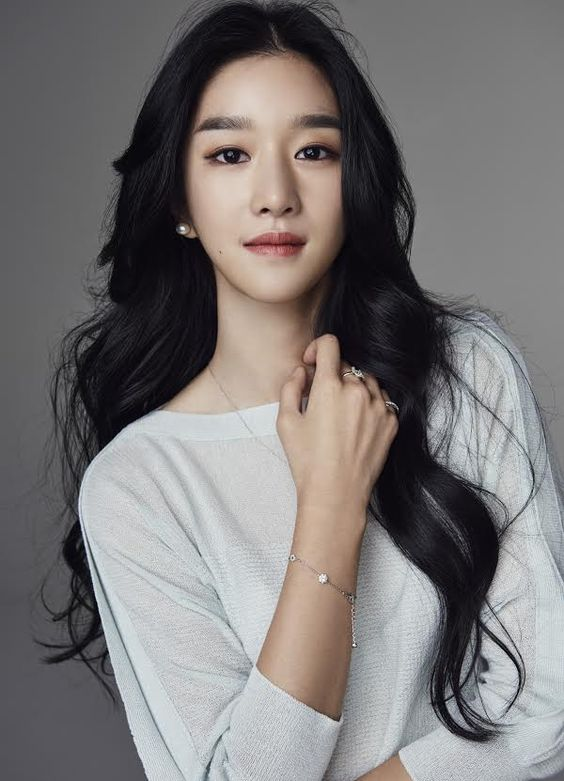 Artis Korea Tercantik Seo Ye Ji