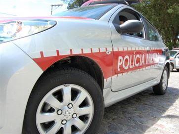 Imagem Ilustrativa Um ex-vereador de Poço José de Moura foi encontrado morto na noite dessa quarta-feira (14), na cidade de São João do Rio do Peixe, Sertão do estado. Ele estava dentro de seu veíc...