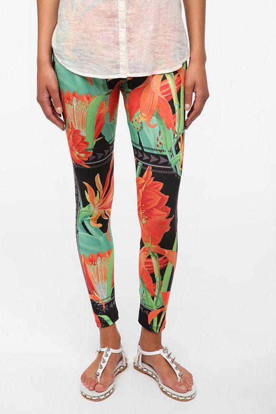 BDG Wild Rose Legging  #UrbanOutfitters $29.00