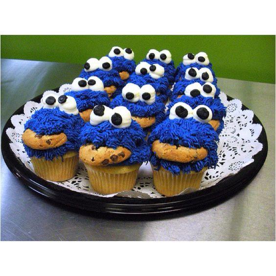 Cookie Monster cookie cupcakes :)