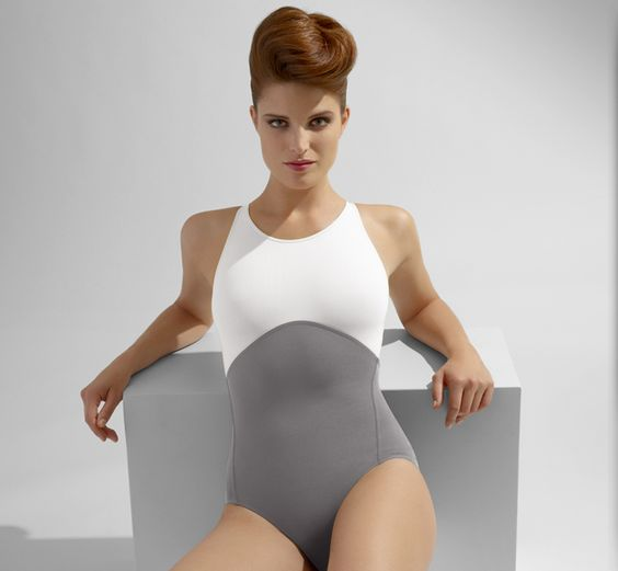 Simple and sporty Eres. http://www.boutique.eresparis.com/en/catalog/Collection/Swimwear/One+piece/P-jingle.htm?variantId=3599053131771(EresMasterCatalog)
