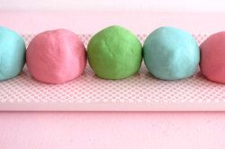 No Cook Play Dough recipe - Great for sensory activities for youth, teens, young adults on the spectrum and/or with developmental disabilities. Nice consistency. recommended to wear gloves.