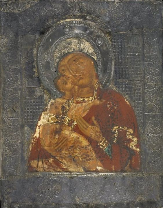 The Theotokos of Vladimir covered with a silver-gilt riza (early 17th century)