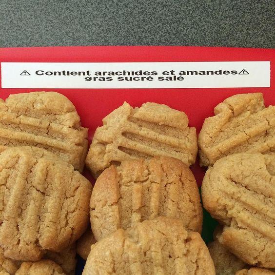 Food labeling by teenager : contains peanuts and almonds fat sugar and salt   @philouroyal s'est lâché avec l'étiquetage pour l'anniversaire de @mad_mzk