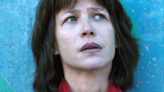 """Quand Sophie Marceau rencontre Julie Gayet, après avoir traité François Hollande de """"goujat"""" (Video) - Rouge International / Superprod"""