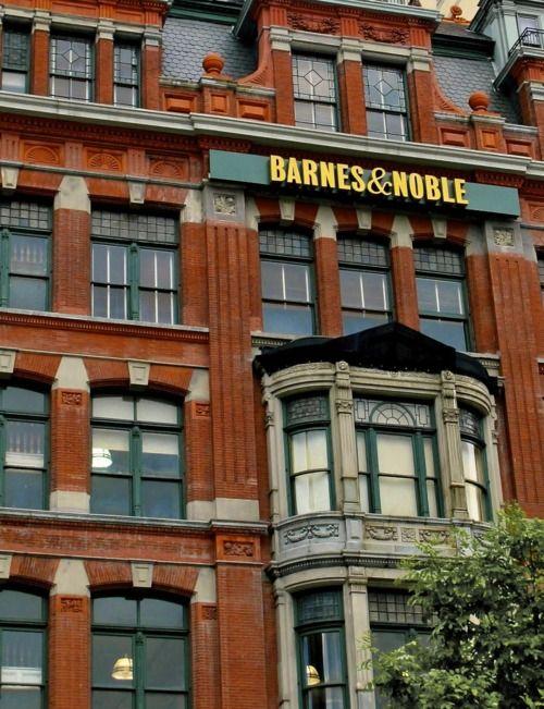NYC. Manhattan. Union Square. Barnes & Noble Bookshop. A