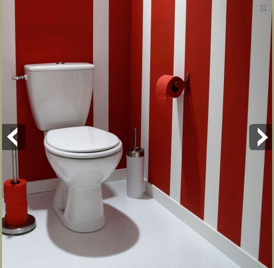 peindre des toilettes avec des rayures rouge et blanc