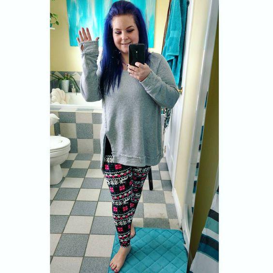"Perfect comfy outfit! - - - "" #selfie #newtights #bthb #ootd #purplehair #bluehair…"""