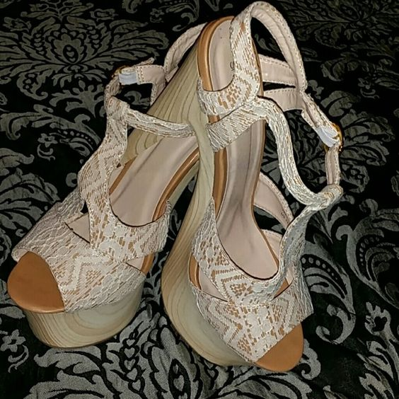 NWT. In original Box. No trades Neutral color. White  Lace platforms. Shoe Dazzle Shoes