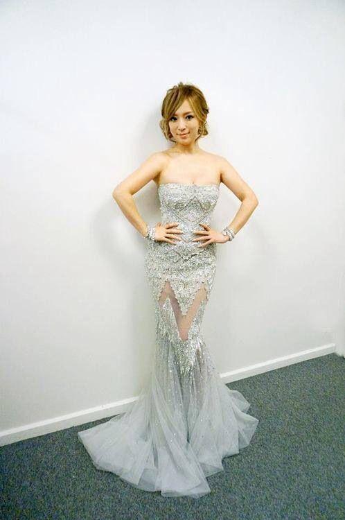 足透けドレスの浜崎あゆみ