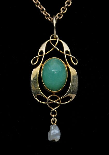 This is not contemporary - image from a gallery of vintage and/or antique objects. MURRLE BENNETT & Co 1896-1916 Art Nouveau Pendant Gold Chrysoprase: