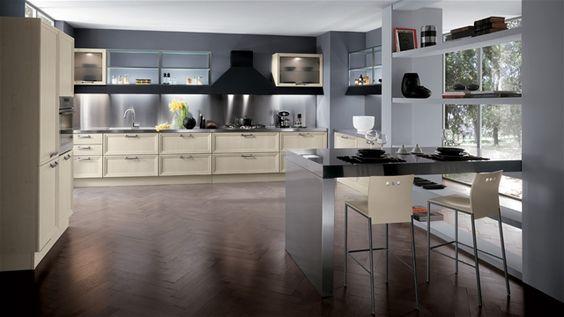 Elegante e raffinata con i suoi contrasti di materiali e colori, la versione in Rovere bianco di Focus valorizza il concetto di una cucina living che vede ormai cadute pareti divisorie. Non più solo stanza funzionale, isolata dal resto della casa, ma luogo centrale dove vivere, ricevere e ''condividere'' a 360°. Anta telaio-pannello rovere bianco scav662.