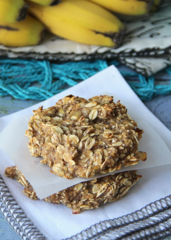 Healthy Breakfast Cookies Recipe - Vegan, and only 5 ingredients!   FamilyFreshMeals.com