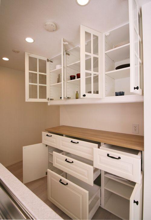 Ikea食器棚カップボード事例 対面カウンター家具やアクセントウォール