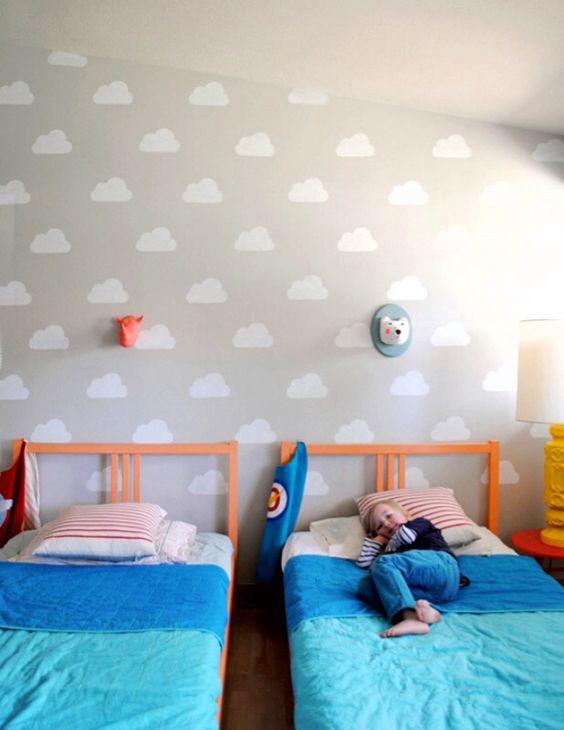 Nuvens DIY de contact branco na parede de quarto infantil