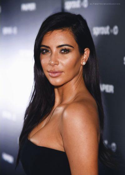 ultimatekimkardashian:  Paper Magazine 'Break The Internet' Issue Dinner, Miami Art Basel 12.4.2014.