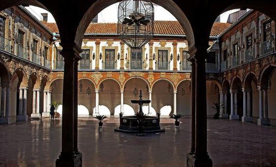 """Patio del Palacio de la merced. - Córdoba""  #AndandoPorEspaña foto de zanzibarcordoba http://t.co/8kqB23Rt9A"