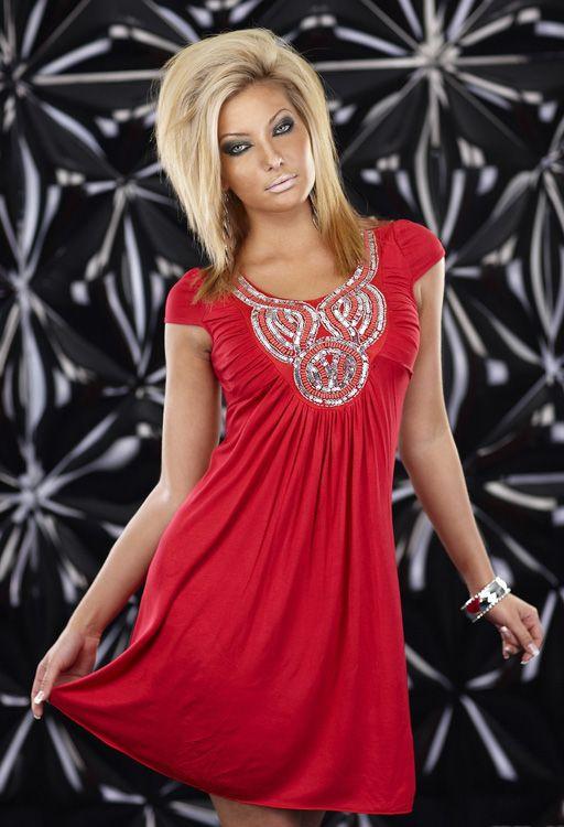 robe rouge mi longue evasee avec decoration femme fashion sexy par mode. Black Bedroom Furniture Sets. Home Design Ideas